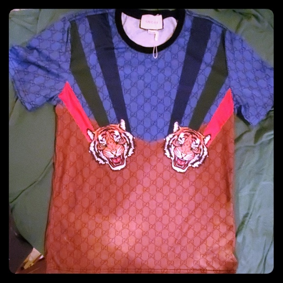 Men Gucci shirt with tigers used